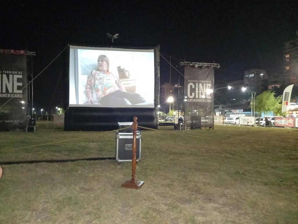 Para celebrar la cultura: el Festival de Cine Latinoamericano Ternium tuvo su primera noche junto al Paraná en San Nicolás