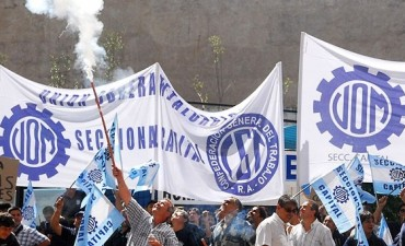 UOM acordó un aumento salarial del 18% por abril