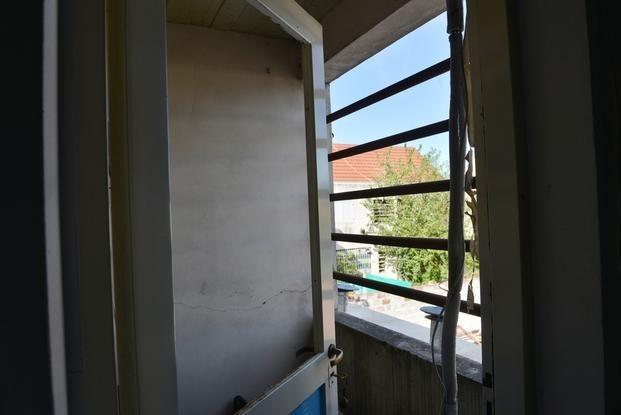 Vándalos rompen vidrios de una vivienda