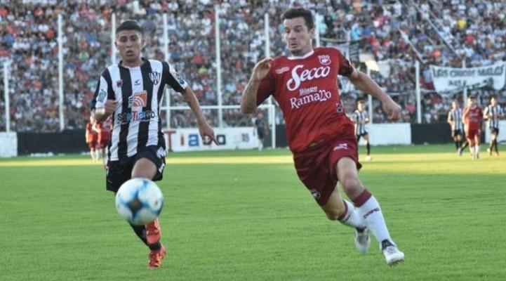 Defensores perdió en Santiago y jugará con Alvarado en la Reválida