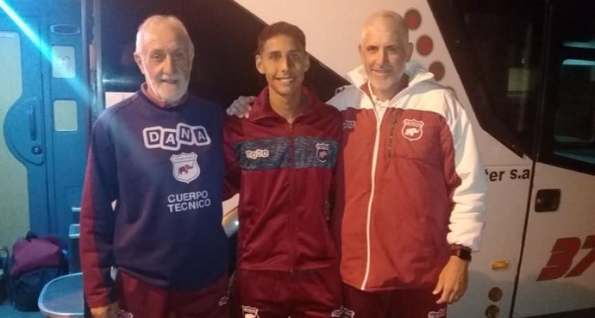 Defensores viajó a Tucumán con ausencias y la imperiosa necesidad de ganar