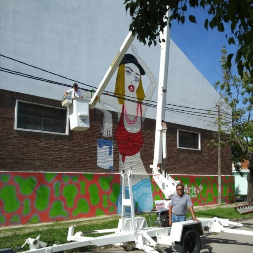 Los murales urbanos pasaron a embellecer un sector de Villa Ramallo