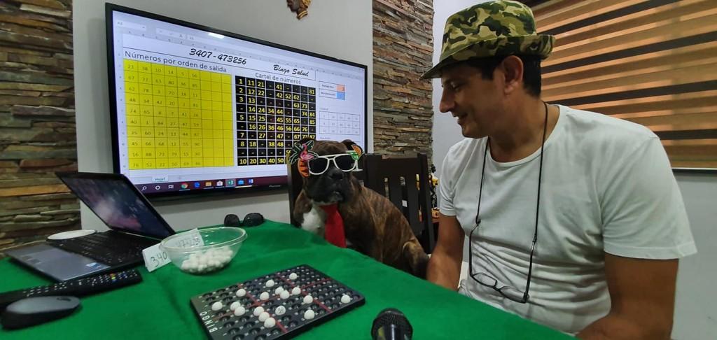 Sergio Butara y su equipo cada noche suman entretenimiento y diversión con Bingo Salud