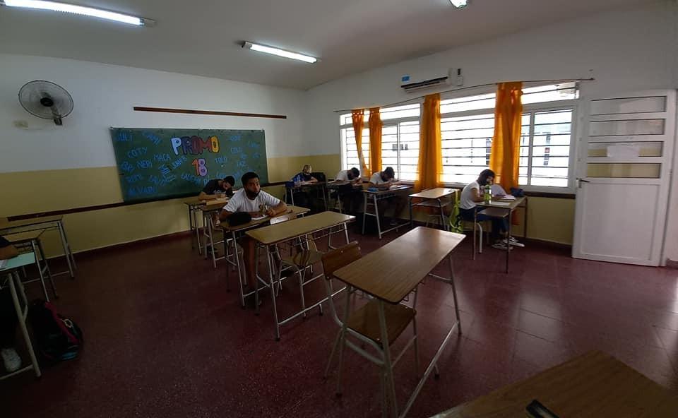 SUTEBA y FEB señalaron que es importante sostener la presencialidad en las escuelas con estrictos protocolos
