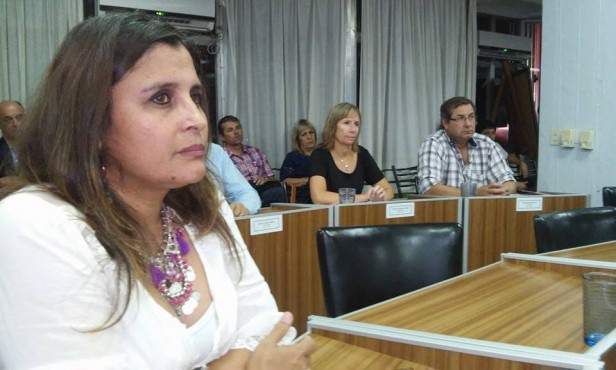 """Marcela Isarra: """"Creo que hay que mirar profundamente el trabajo del concejal Romá que es un trabajo serio"""""""