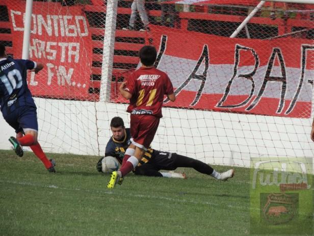 Defensores perdió 1 a 0 con Independiente en Chivilcoy