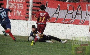 Defensores perdió 1 a 0 con Independiente en Chivilcoy
