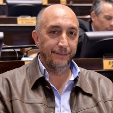El diputado Torres promueve una tarifa social para organizaciones sociales