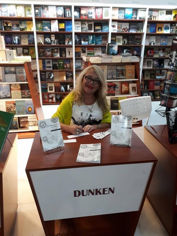 La escritora Sandra Genoud presenta su libro de poemas