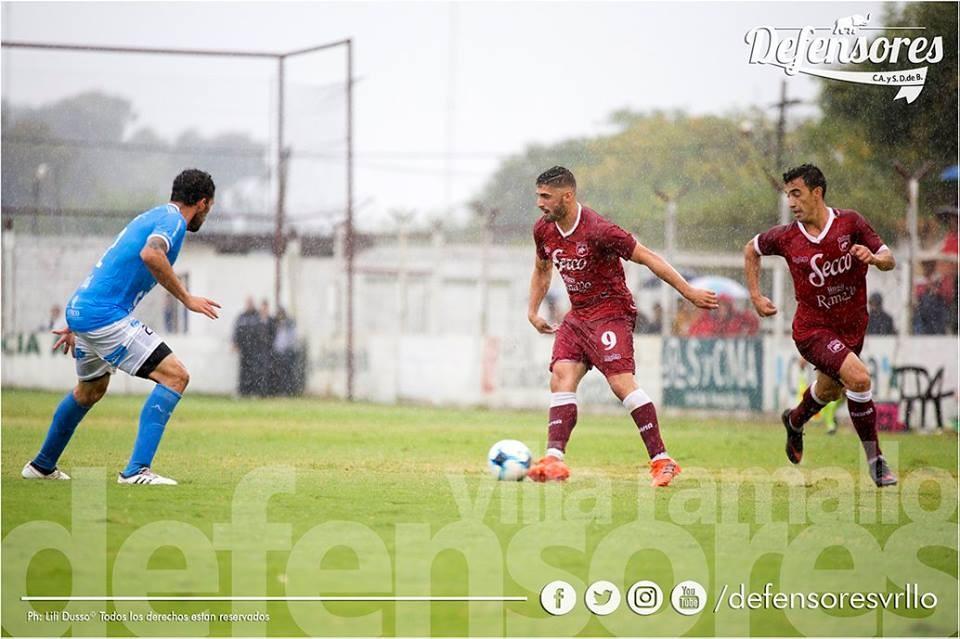 Defensores recibe a Estudiantes de Río Cuarto en semifinales