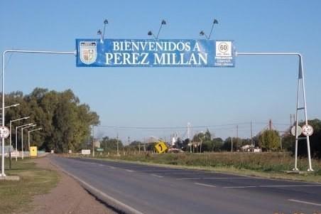 Miran con atención a Pérez Millán