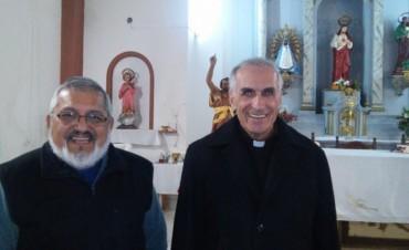 Monseñor Santiago celebró misa en la parroquia San Juan Bautista