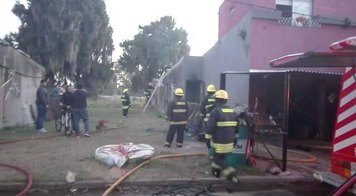Incendio en una vivienda en Villa Ramallo