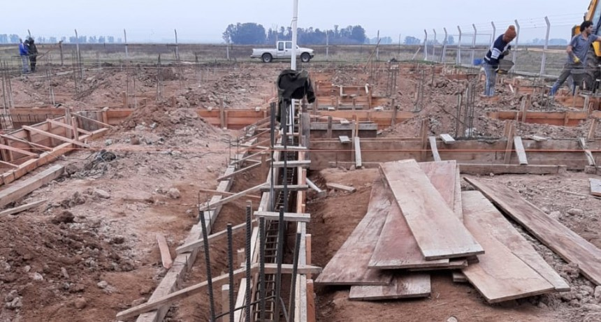 Construcción de la Escuela Técnica en Pérez Millán