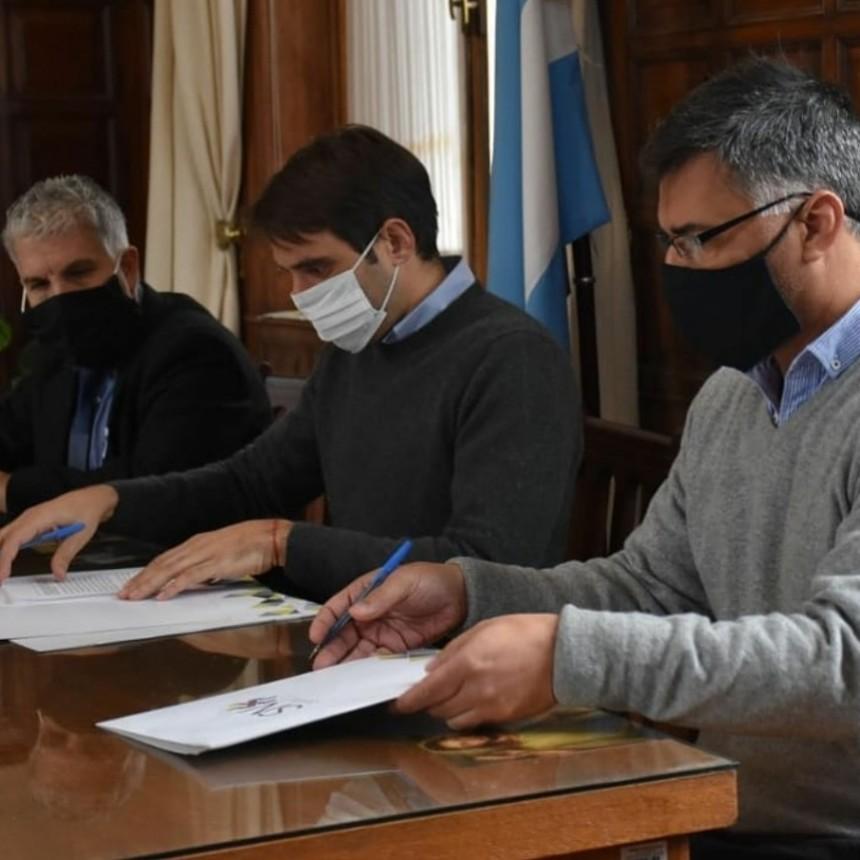 Firma de convenio entre municipios vecinos
