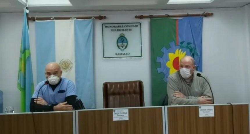 Los doctores Van Kemenade y Desposito informaron las acciones que están realizando sobre el nuevo caso de COVID-19 positivo