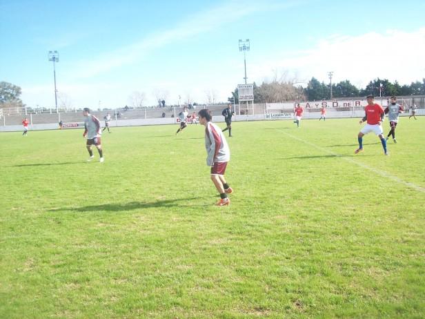 Defensores perdió 1 a 0 con Central Córdoba de Rosario