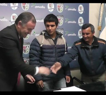 El Intendente firmó un convenio de pasantía para alumnos de la Escuela Media N° 2