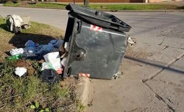 Fueron tres los contenedores destruidos