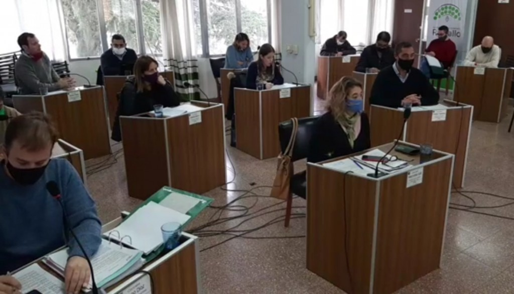 Lorena Vercelli, apoderada de la Empresa de Colectivos Ramallo S.R.L, solicita aporte del Municipio para sostener el servicio