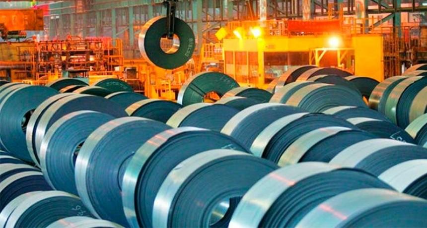 Economía: La producción de acero aumentó un 24,1% respecto a mayo, pero cae 41,4% interanual