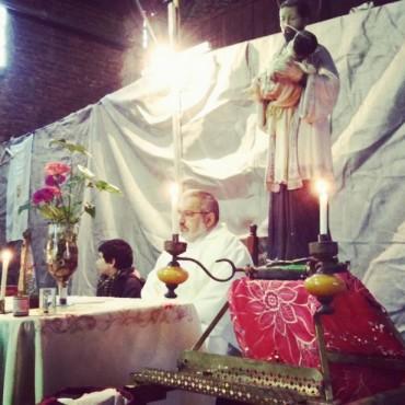 La misa de San Cayetano en el barrio Don Antonio congregó a un centenar de feligreses