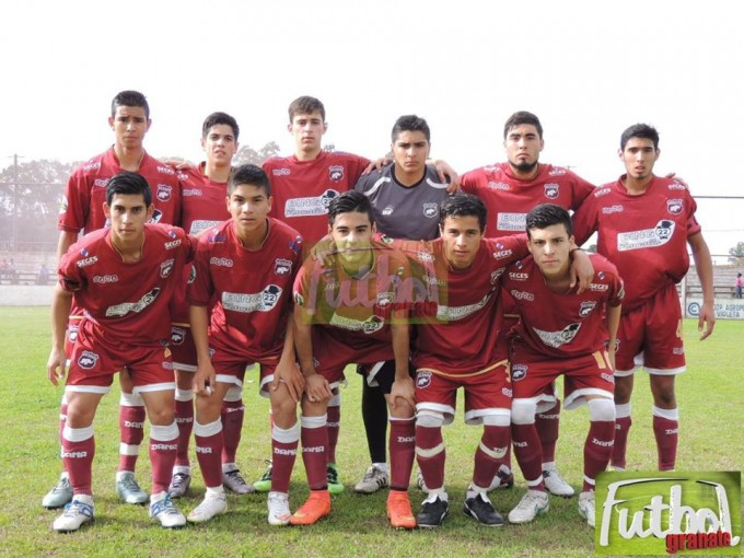 Defensores derrotó a Fútbol San Nicolás y también es puntero.
