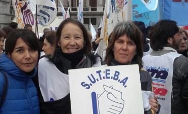 SUTEBA Ramallo se movilizó a la Casa de la Provincia