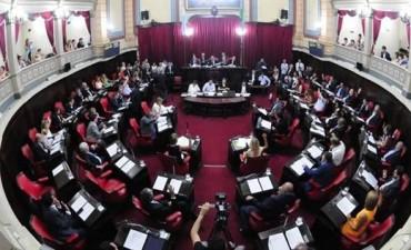 Se aprobó la ley que pone fin a las reelecciones indefinidas en la Provincia