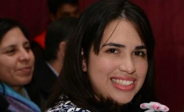 Laura Castro tomó posesión de Educación
