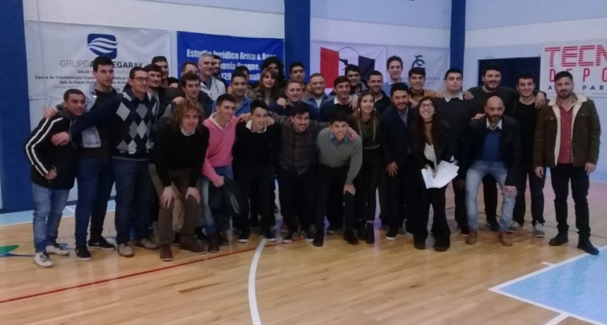 """Con un emotivo acto se reinauguró el Gimnasio """"Dr. Raúl Romano"""" del club Social"""