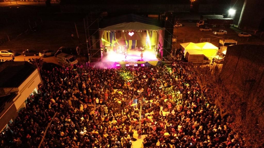 Pérez Millán vivió su  fiesta aniversario con más de 10 mil personas