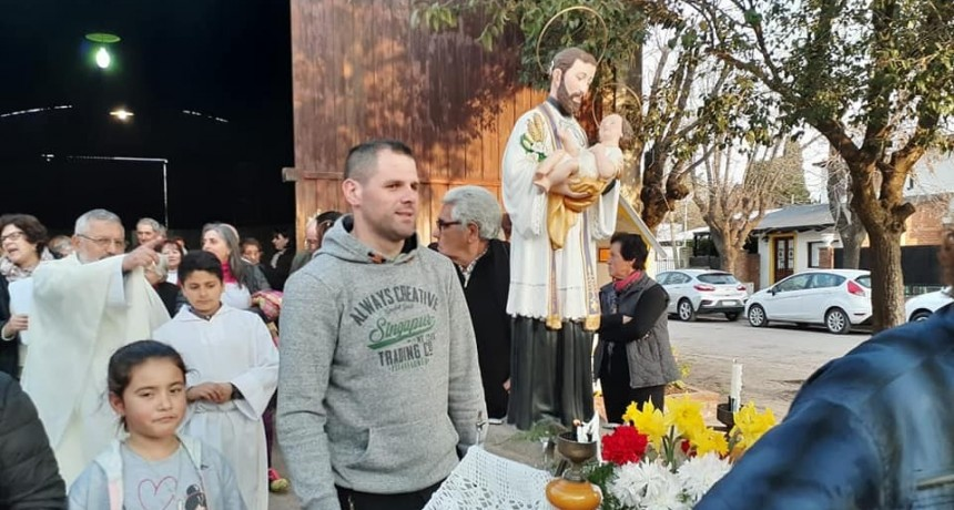 San Cayetano: Los feligreses le rindieron devoción al patrono del pan y del trabajo