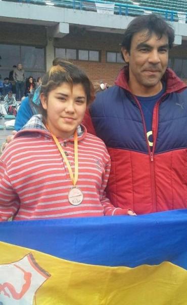 Fiama Perez medalla de bronce