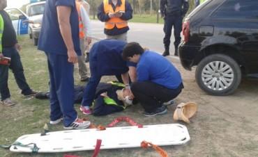 Atropellan a un inspector municipal en el ingreso a Villa Ramallo por el camino de la Costa