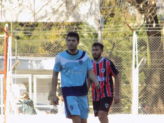 Social goleó a Rojo y Defensores derrotó a Argentino Oeste