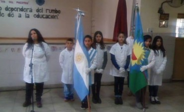 Emotivo acto del día del Maestro en la Escuela Nº 3 Domingo Faustino Sarmiento
