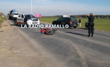 Otro violento accidente de motos