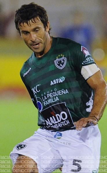 Defensores incorporó a Silvio Iuvalé