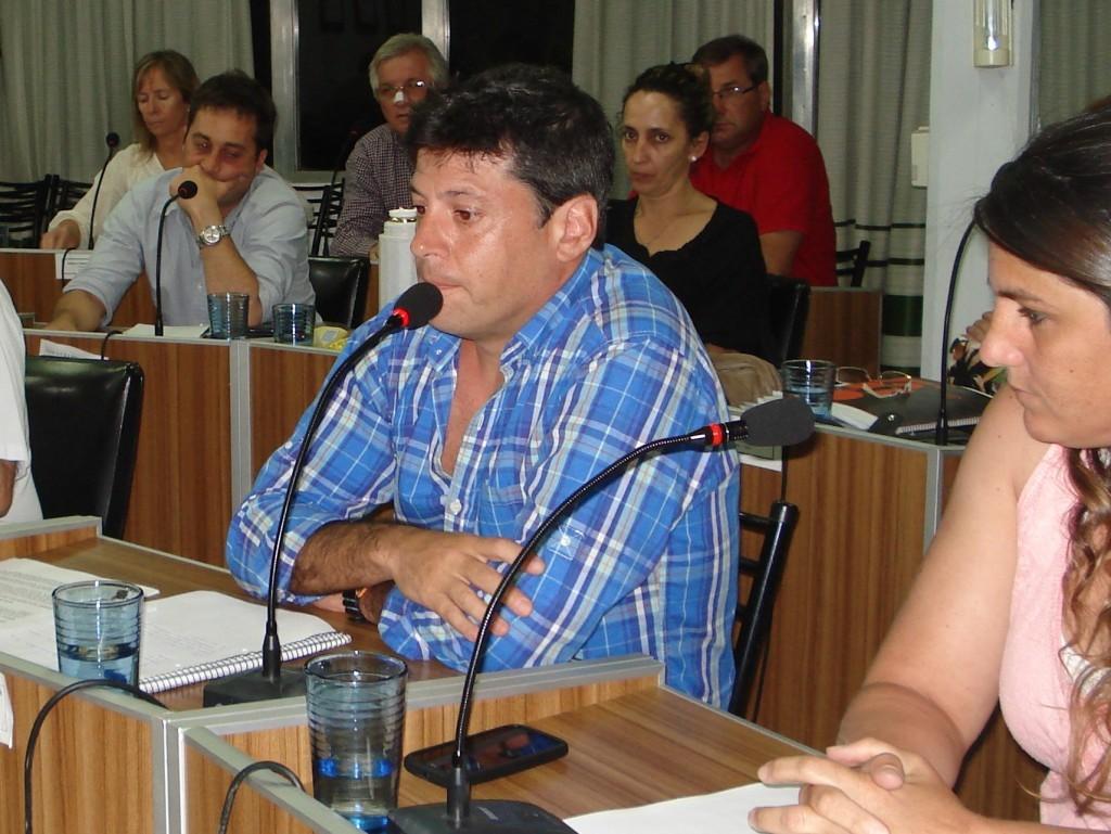 Macías 'Los bloques sabían que esta situación era el certificado de defunción de la construcción del puerto del Gazprombank'