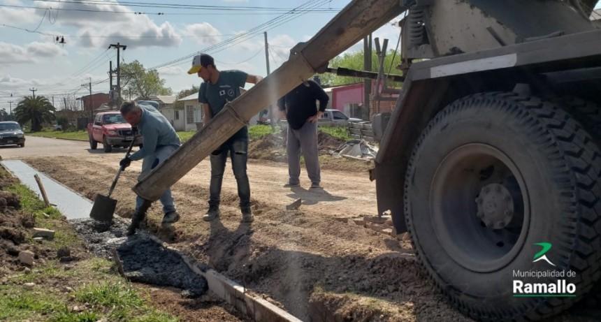 Pérez Millán: Avanza la obra de cordón cuneta