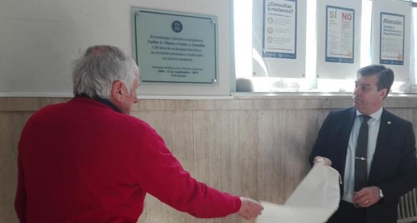 Banco Nación: emotiva ceremonia para recordar a Carlos Cháves y Carlos Santillán