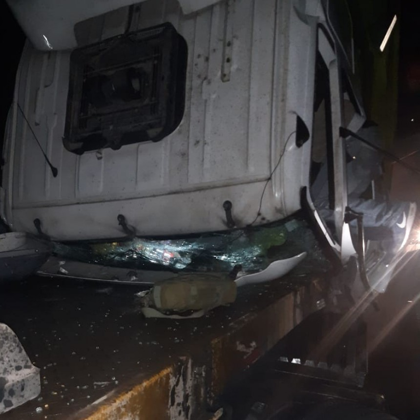 Bomberos rescató a un chofer que había quedado atrapado
