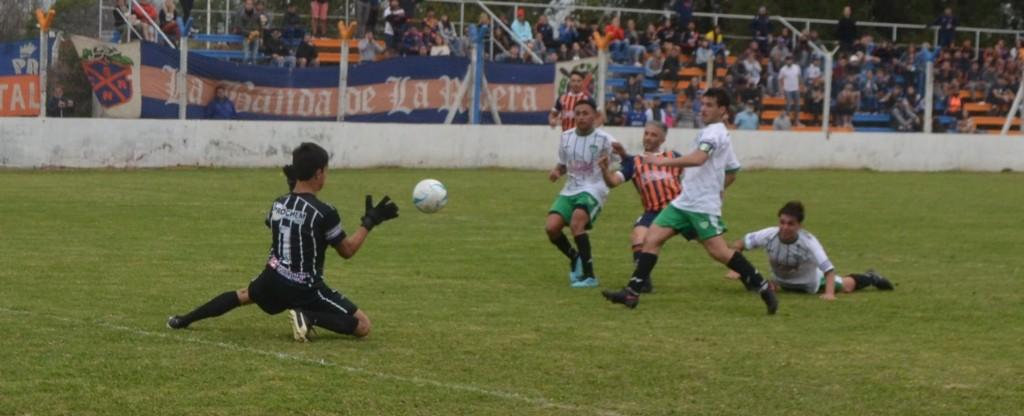 Regatas derrotó a Los Andes con un golazo de Mendiburu