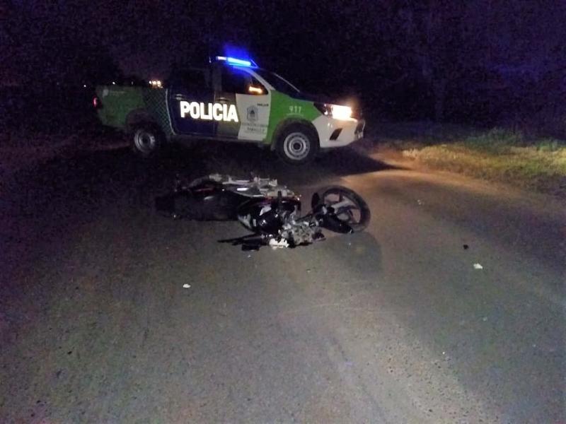 Villa General Savio: Grave accidente al caer una joven de una moto