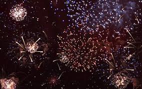 Fuegos artificiales a la medianoche: Nueva manera de festejar los 15 años