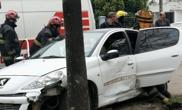 Violento accidente en pleno centro de Villa Ramallo