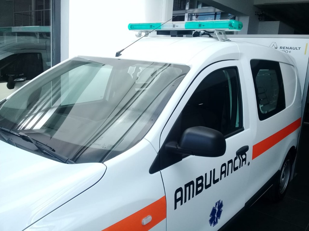 El hospital compró una ambulancia 0km