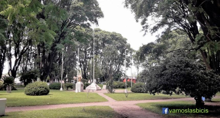 La Municipalidad invierte en el alumbrado de la plaza de Pérez Millán