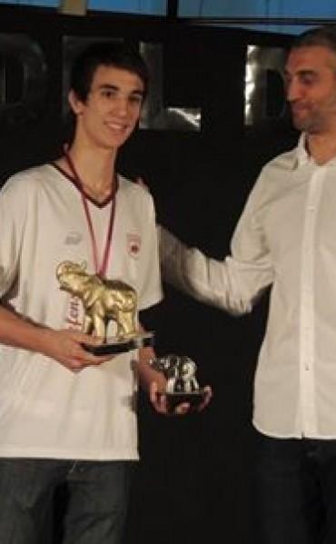 Julián Gasol Elefante de Oro 2014 en Defensores